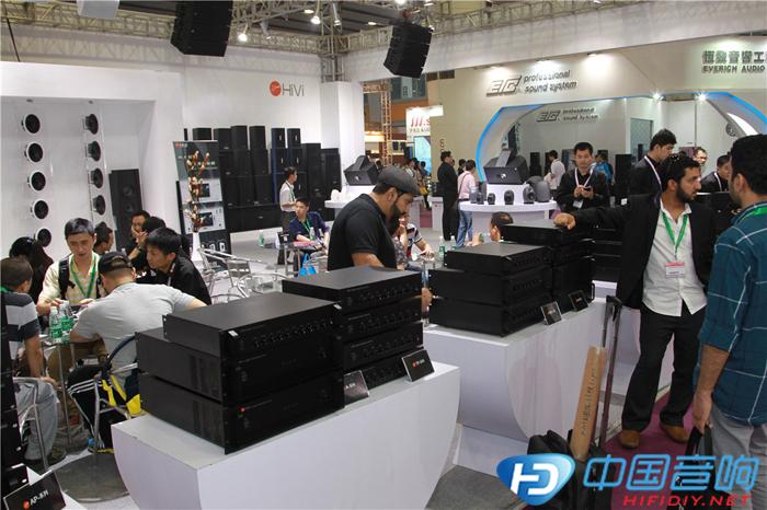 国际专业音响展 HiVi惠威专业音响霸气列阵