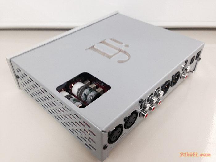 胆/石耳机放大电路工作于全平衡纯甲类放大模式,采用两组ge 5670电子