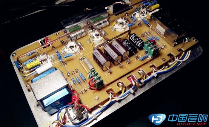 组装顶盖板和放大电路及电源板
