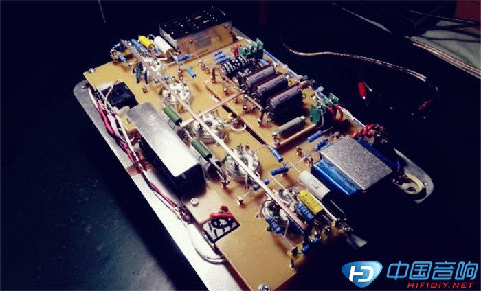 顶盖板和放大电路板子准备组装.