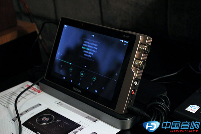德生tecsun数码音源新款播放器亮相2015广州国际音响