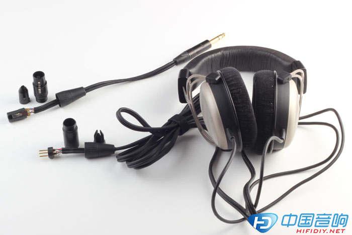 耳机一边焊接完成的插头