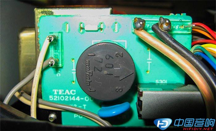 """cd播放器,它结合teac专利:数字/模拟转换器之""""zd""""电路."""