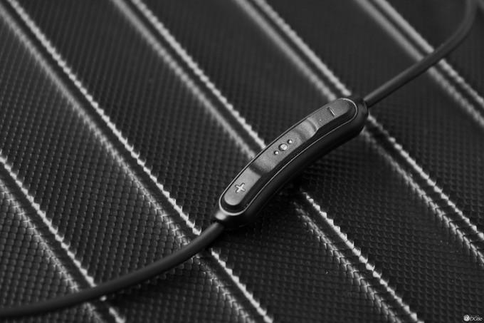 耳机和心率的碰撞 Bose Soundsport Pulse运动蓝牙耳机