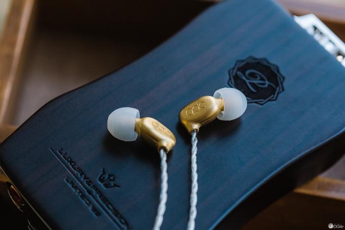 金色典藏 qdc 1LE一周年纪念版动铁耳塞体验