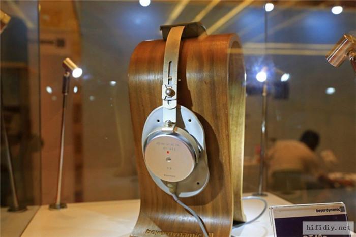 广州国际音响唱片展 耳机便携产品区