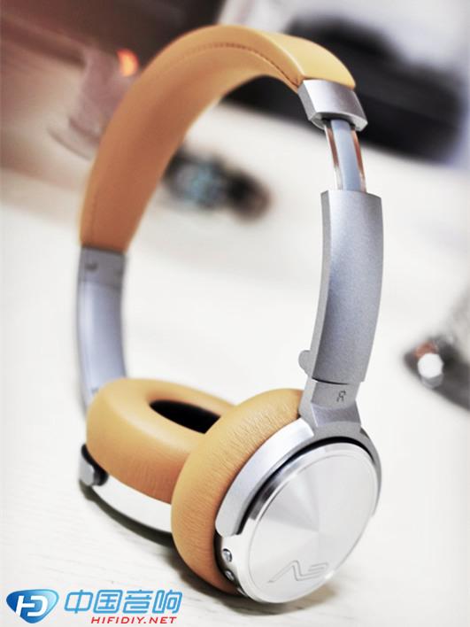 勒姆森HB-65蓝牙耳机