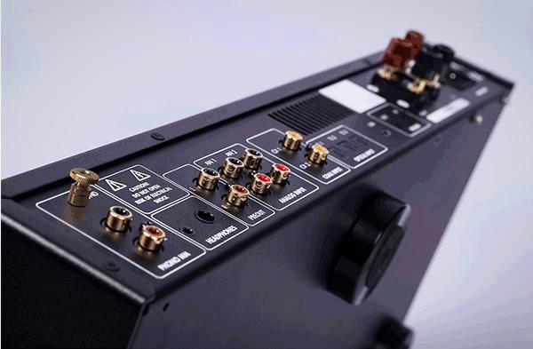 新一代入門綜擴 Electrocompaniet ECI 80D