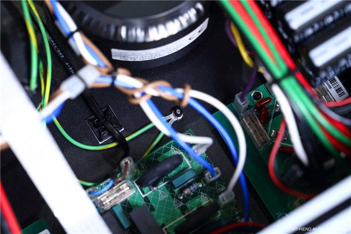 細膩的野獸派推力:Musical Fidelity M8XI綜合放大器